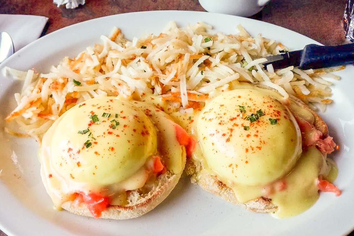 バンフの朝食は メリッサ のエッグベネディクトがオススメ! 丨Melissa's Mistakes