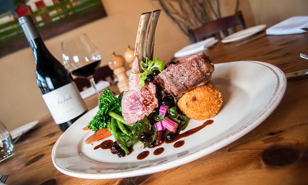 バンフでジビエ肉を食べるならThe Bison(バイソンレストラン)で決まり