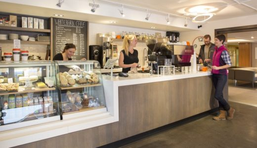 カナダワーホリ、カフェで働きたい人は田舎に行くと仕事が見つかります。