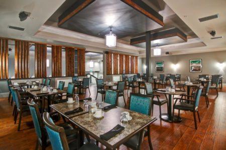 シャトーノバホテル内のレストラン イエローナイフ